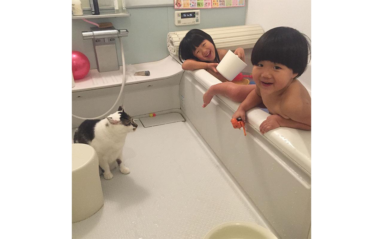 なんとなくおかあさん「赤ちゃんと一緒のバスタイム大作戦」