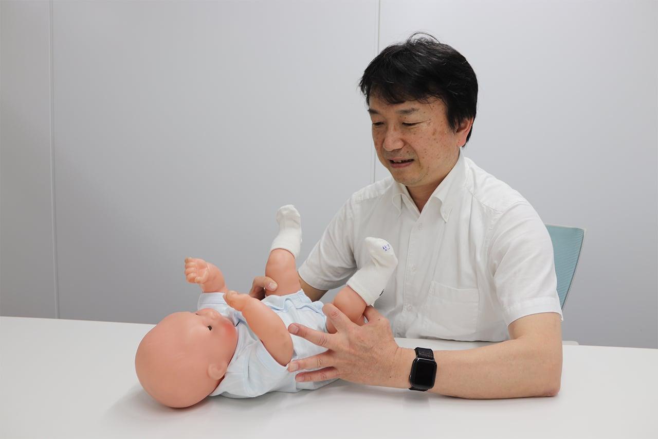 赤ちゃんは大人が小さくなった体ではない?体の構造から考える抱っこの仕方とは